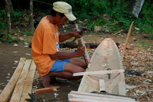 Traditional_boat_building_in_the_Philippines