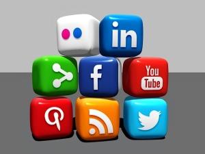 social-media-488886_640