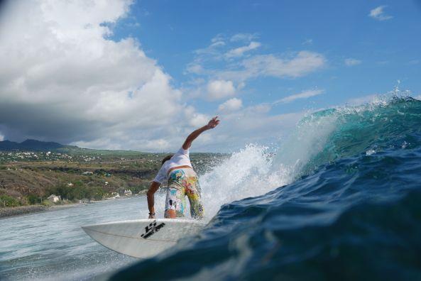 Surf_à_Saint_Leu,_La_Réunion