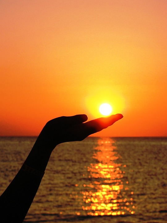 Red Sun Light Hand Summer Finger Sea Sunset